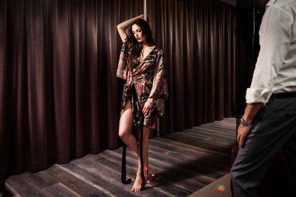 Editoriale moda cover story shooting Viola Motel Bergamo cover Magazine Dimmi