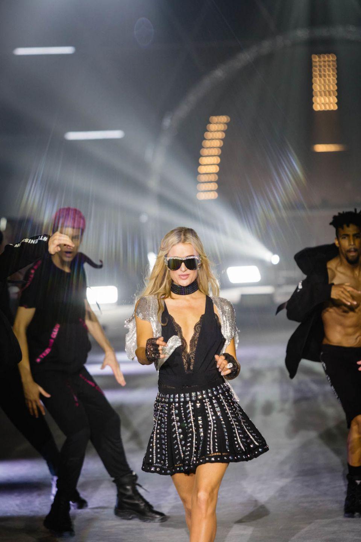 Fashion Show 2018 Paris Hilton