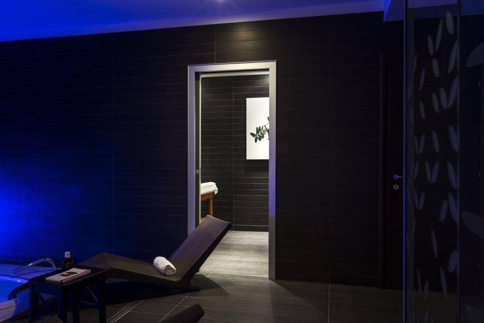 Clarins Skin Spa sala massaggi