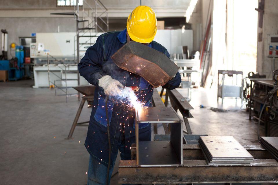 Reportage aziendale industriale carpenteria metallica Gurrieri Chiarmonte Gulfi Ragusa SiciliaFotografia e fotografo x web