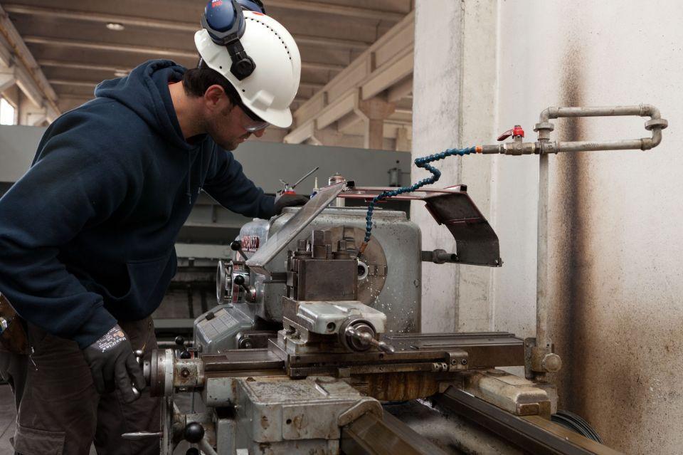 Reportage aziendale industriale carpenteria metallica Gurrieri Chiarmonte Gulfi Ragusa SiciliaFotografia e fotografo per web